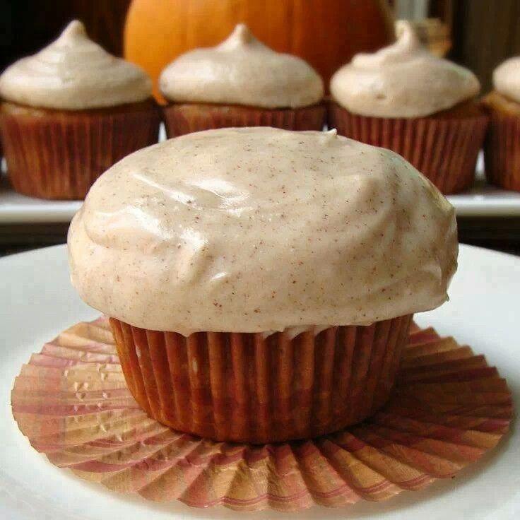 Pumpkin cupcakes with Cinnamon Cream icing