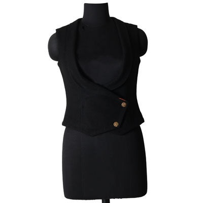 Modernize your look with this sleeveless black waistcoat which is best for winters.