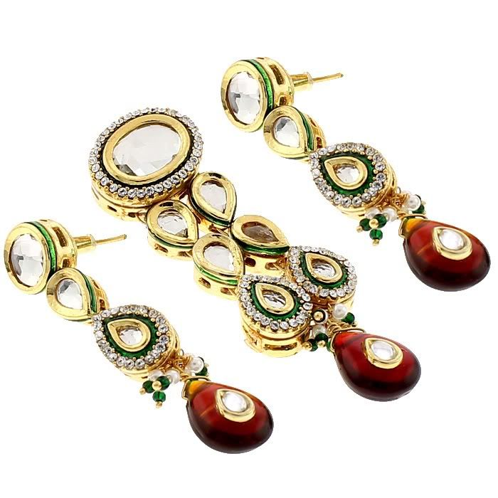 The BEAUTIFUL PENDANT + EARRINGS by Indiatrend. Shop Now at WWW.INDIATRENDSHOP.COM