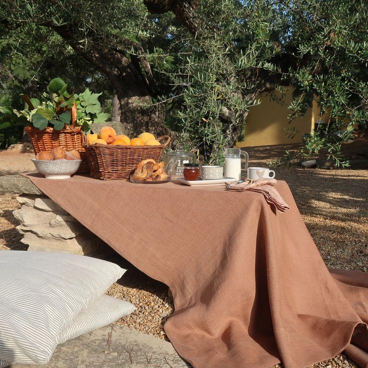 Picnic con mantel de lino belga de Villalegría Home Linen