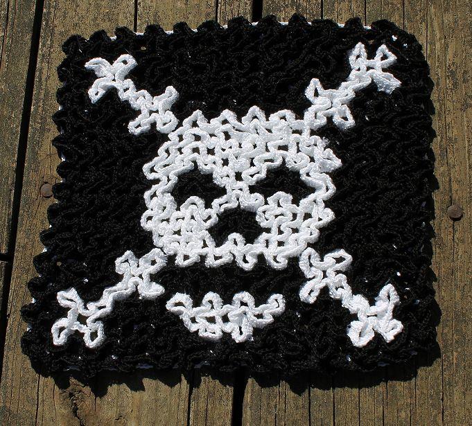 Skele-wiggly trivet by pesky pixie