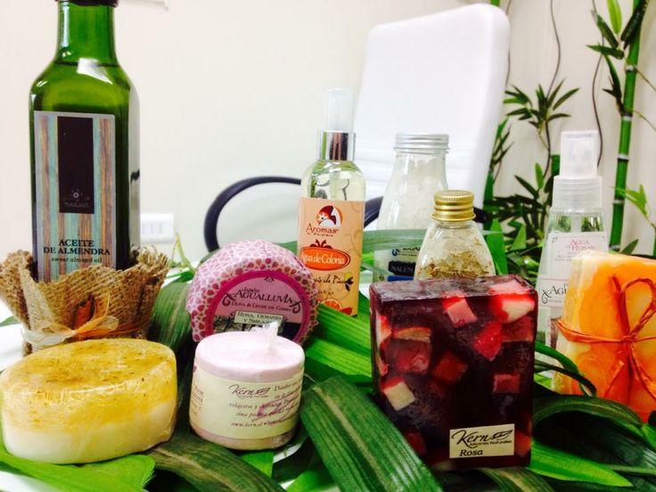 Amigas, Rinnovata también ofrece jabones de agua de lluvia, aceite de oliva, y hierbas del altiplano, aceites de nuez, almendra y boldo. Todos hechos en Chile. Con 40 exquisitos aromas diferentes. VEN por el tuyo!!