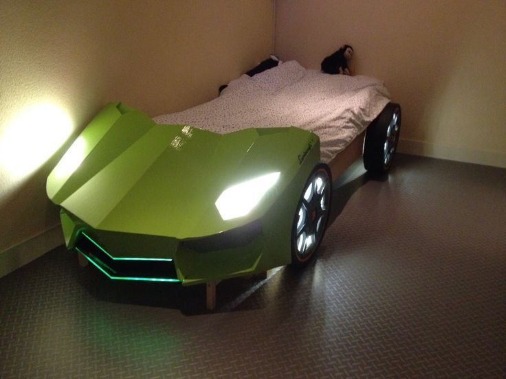 Zelfgemaakt Lamborghini kinderbed, autobed, Lamborghini Aventador