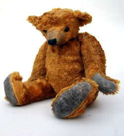 *EARLY HUMPED BACK TEDDY BEAR ~ long arms, long snout, long mohair humped back bring great character to this old bear.