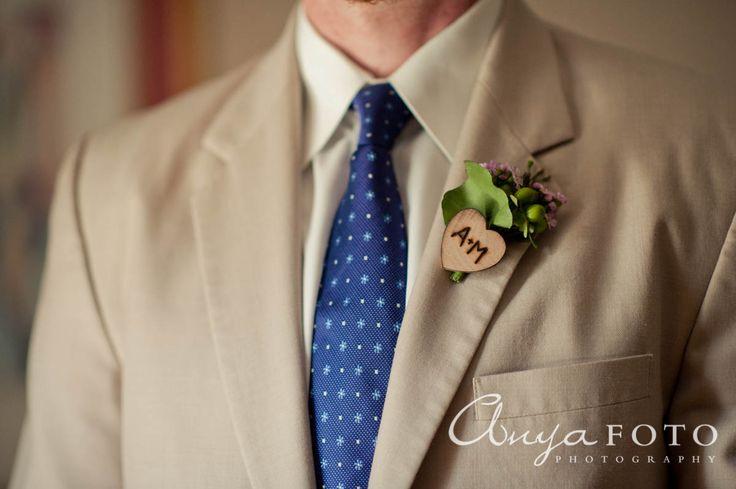 anyafoto.com, wedding boutonnieres, purple boutonnieres, green boutonnieres, small boutonnieres, unique boutonnieres