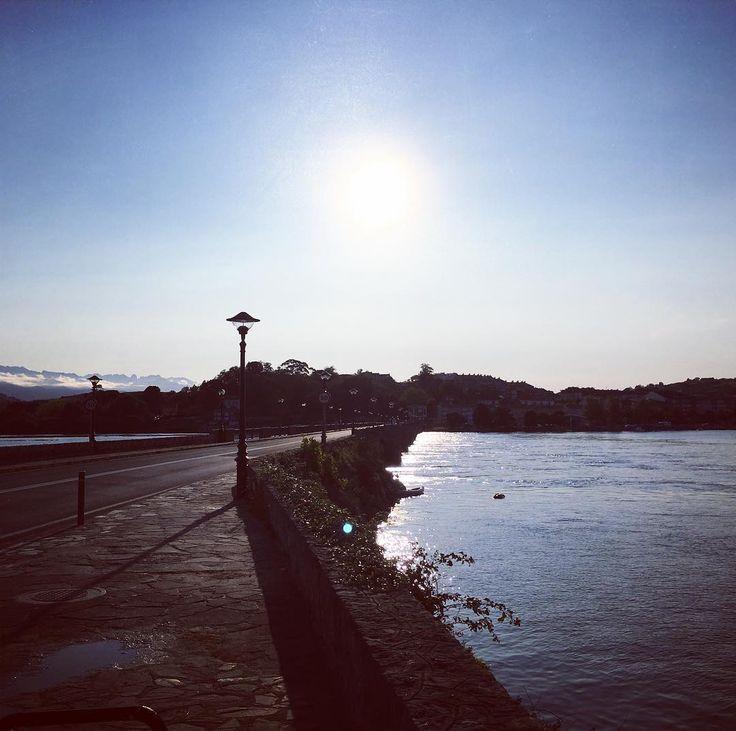 #puente #bridge @ #riadesanvicentedelabarquera #town #spain #roadtrip #igworldclub #travel #instatravel #instatraveling #spanishcountryside