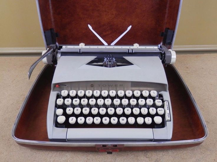 Vintage Sears Tower Constellation Portable Typewriter 871.1510 w/ Case - WORKING #Sears