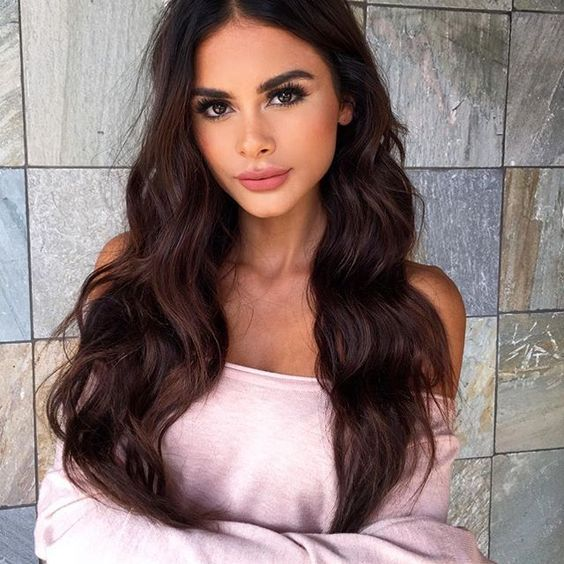 Here are the 50amazinghairstyles for the year 2017. In this gallery you will find hairstyles for all seasons. These hairstyles are ranging from the sleek to chic, easy to do to messy ones. No matter how we end up dressing, we really should stick to the trending hairstyles for 2017 in order to really stand …