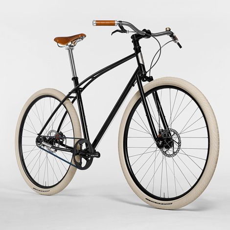 Budnitz Bicycles pays homage to vintage Dutch bicycles with their new No. 3 Honey Special Edition, complete with carbon belt-drive, Brooks titanium leather saddle & grips.