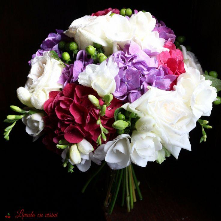 #scentofawoman  #scentofamoment #special #roses #davidaustinroses #ohara #fresia #hydrangea #frezii #trandafiri #hortensia #wedding #flowers #weddingflowers #idoflowers #bride #bouquet #madewithjoy #madewithlove  #paulamoldovan #livadacuvisini #buchet #nunta #mireasa #nasa #nuntaromania #bucuresti #flori #evenimente