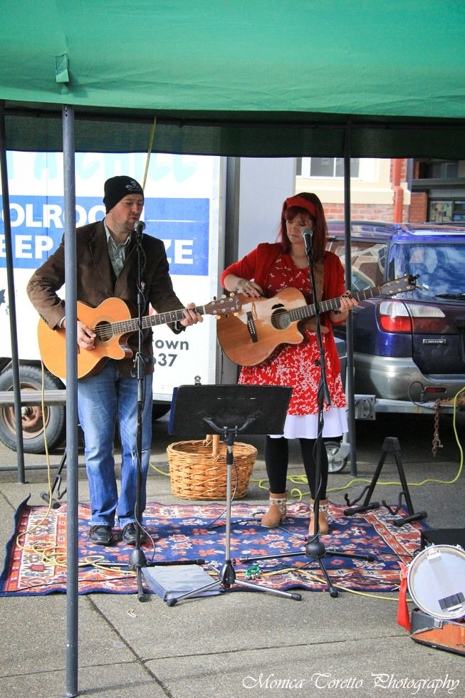 'Into the East' set the mood at the Southern Farmers' Market just before Christmas in Invercargill.