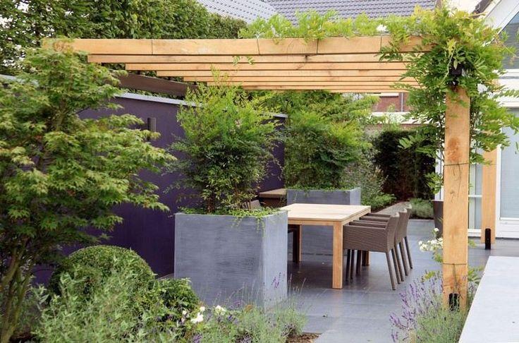 Holz Überdachung über Essplatz auf der Terrasse