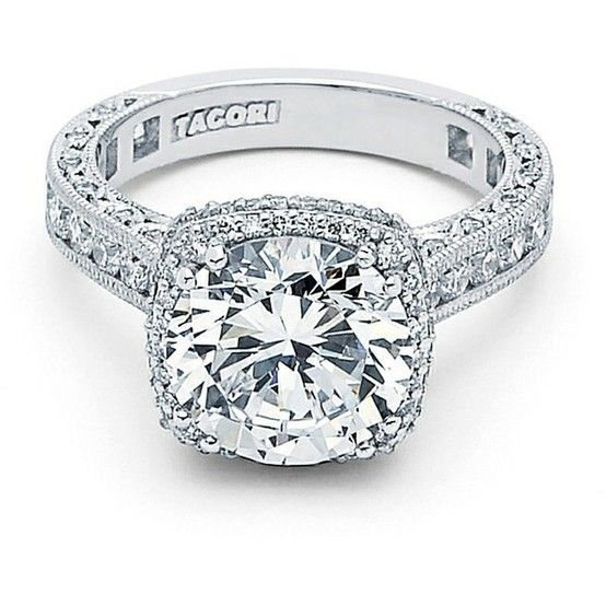 two little diamonds added on the sides of the big diamond and this is my dream ring!!!