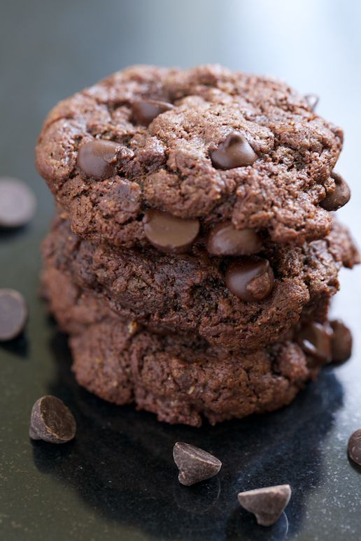 Double Chocolate Almond Butter Cookies (no butter, flour, or refined sugar) | GI 365