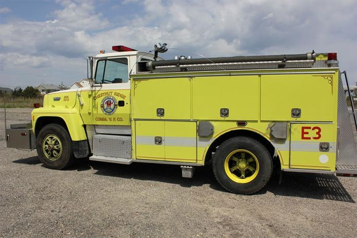 Craigslist Louisville Kentucky Cars And Trucks >> Used L8000 pumper for sale at Firetrucks Unlimited. #firetrucksforsale | Used Fire Trucks For ...