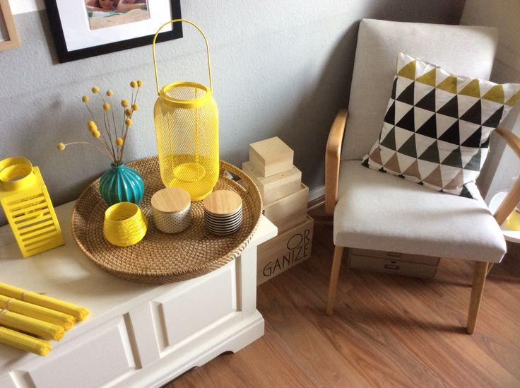 Gelb Frühjahrskollektion 2016, Habitat (DIY: das Kissen auf dem Stuhl habe ich selbst genäht aus einem Ferm Living Geschirrtuch für 11€ ☺️)