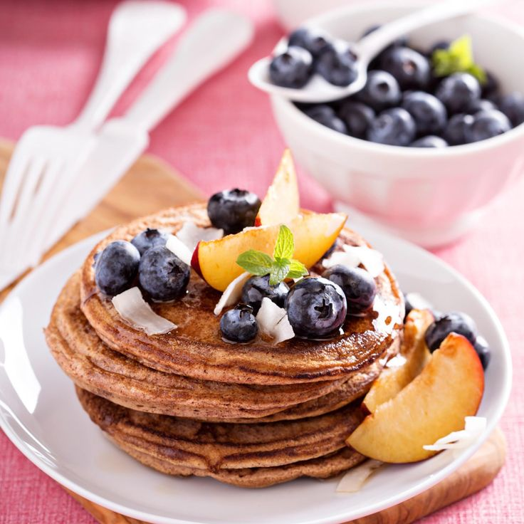 Almond Flour Pancakes -  these gluten-free pancakes will replace the originals in your kitchen :) #paleo #glutenfree