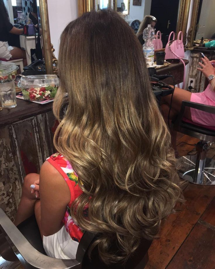 We are obsessed!!! @natalierichmarbella wearing our Luxe Weft in shade 'Notting Hill' - Girls of Marbella check out @bardoumarbella they are now an official Hair Rehab London stockist!