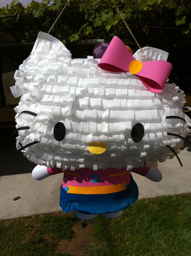 pinata hello kitty bambini con sorprese regalo. How to make a pinata for a birthday? Barbara Donadello on www.tweedot.com