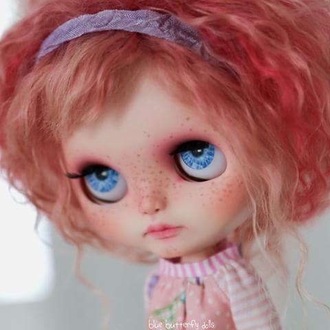 Modré oči Sienna #blythe # BCEU2015 #blythecustom #blytheconeurope #customblythe #artdoll #blue #eyes #cute #dollstagram #blythestagram #instablythe #instadoll #doll #pinkhair #pink # ネ オ ブ ラ イ ス # ブ ラ イ ス # カ ス タ ム ブ ラ イ ス