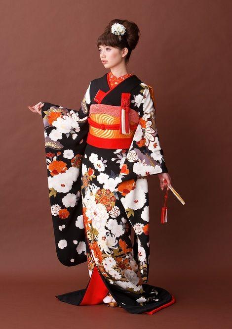 黒x白x赤の美人な配色♡♡ 結婚式におすすめの旬の花嫁振袖(引き振袖)まとめ☆