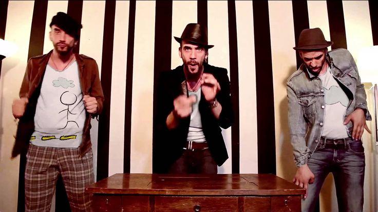 Πάνος Μουζουράκης - Πως να την πεις την Αγάπη | Official Music Video