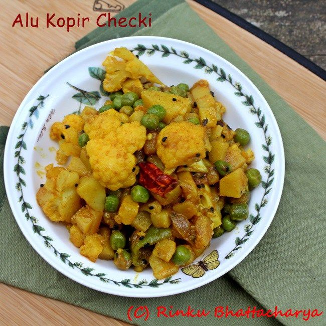 A soft and flavorful Bengali vegetarian stir-fry that is perfect for a light meal for breakfast or dinner.