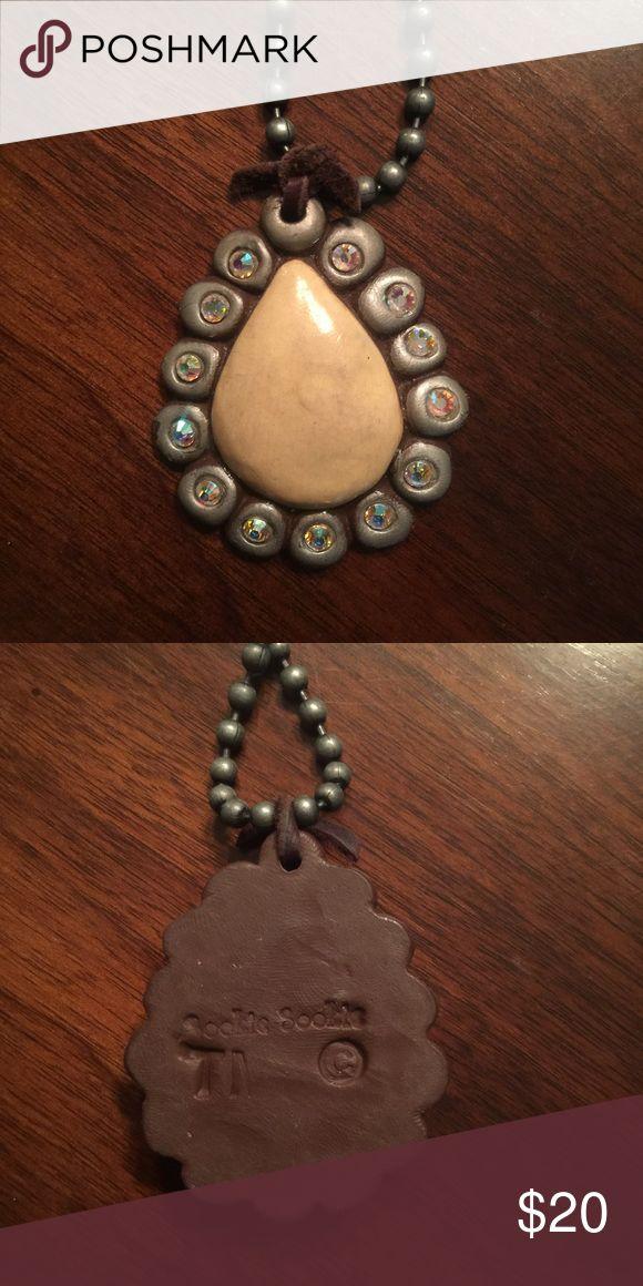 Sookie Sookie Cream pendant/ necklace Sookie Sookie Cream pendant/ necklace Sookie Sookie Jewelry Necklaces