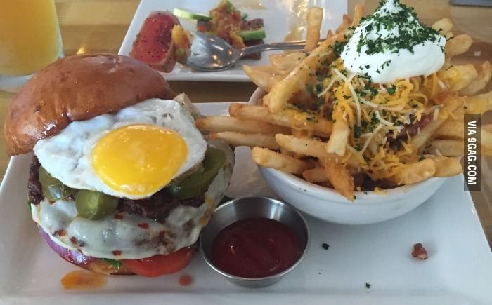 Hell Paso. Pepper Jack, Chorizo, Pickled Jalapeños, Fried Egg. Loaded Fries. Cheese Sauce, Bacon, Sour Cream, Chives.