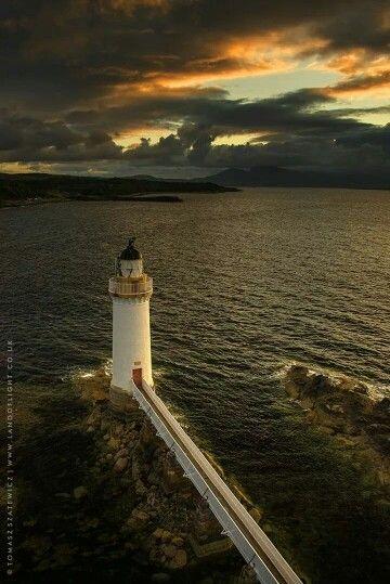Eilean Bhan Lighthouse.  Skye