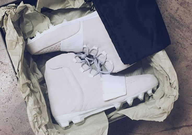 #sneakers #news  Von Miller Will Wear Yeezy Boost 750 Cleats To Kick Off 2016 NFL Season