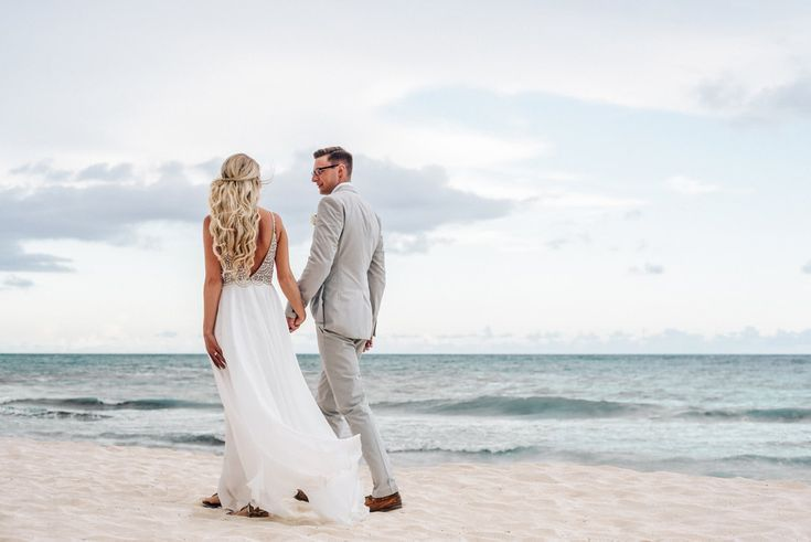 How To Choose The Best Destination Wedding Location & Resort