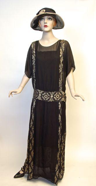 FC0411 Dress, Blue silk chiffon, silk floss embroidery, wood beads, unlabelled, Canadian provenance, c. 1922 - 1923
