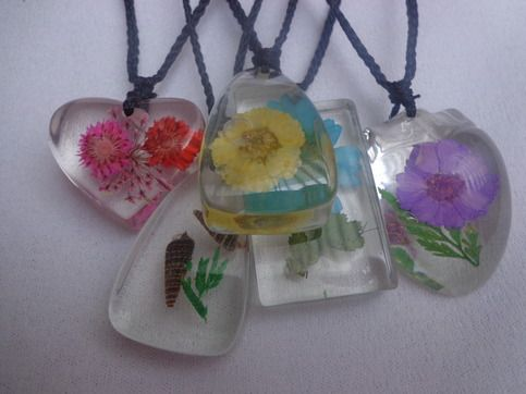 Mix transparent necklace resin, 18 inches, flower/shell  Ideal for daily wear.