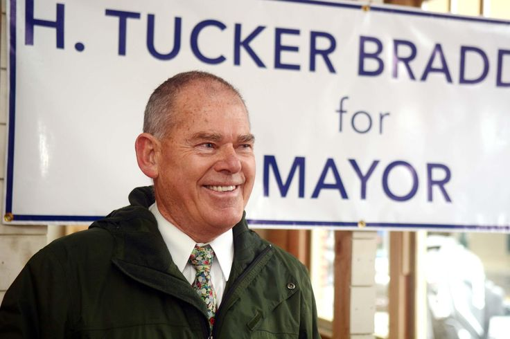 "Braddock announces run for Norwich mayor - ""I want to see the downtown become a destination for people from other communities. We need new, young businesses to be able to come move into our city,"" Democrat H. Tucker Braddock said at his announcement for candidacy for Norwich Mayor. ""This will grow our grand list and create jobs in the city — jobs that will sustain a family lifestyle here in Norwich."" Read more…"