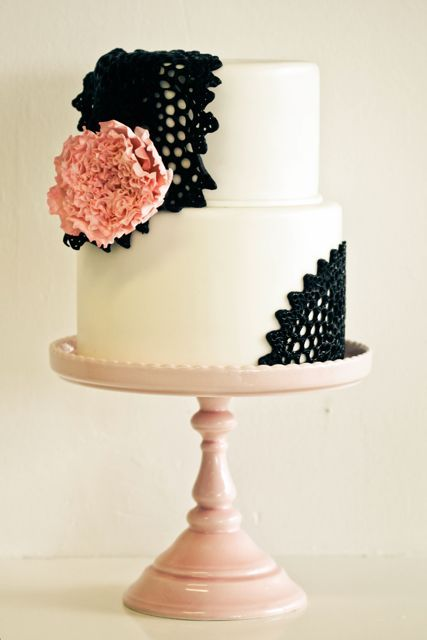 doily lace wedding cake