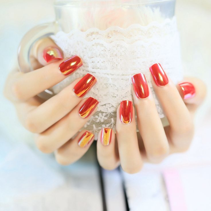 24pcs Pre Designed Nails Red Specular Reflection Fake Nails Artificial Nails With Glue Sticker Z346