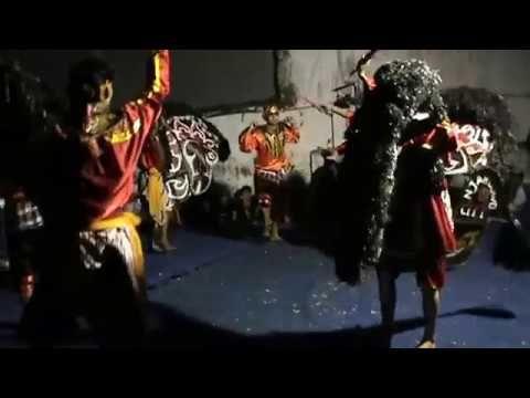Pertunjukan Kesenian Kuda Lumping Indonesia