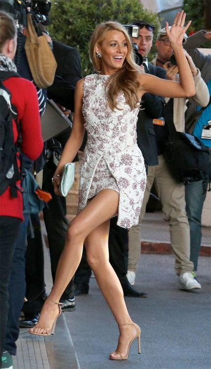 5 Tips To Get Blake Lively's Legs! http://www.celebritystyleguide.com/