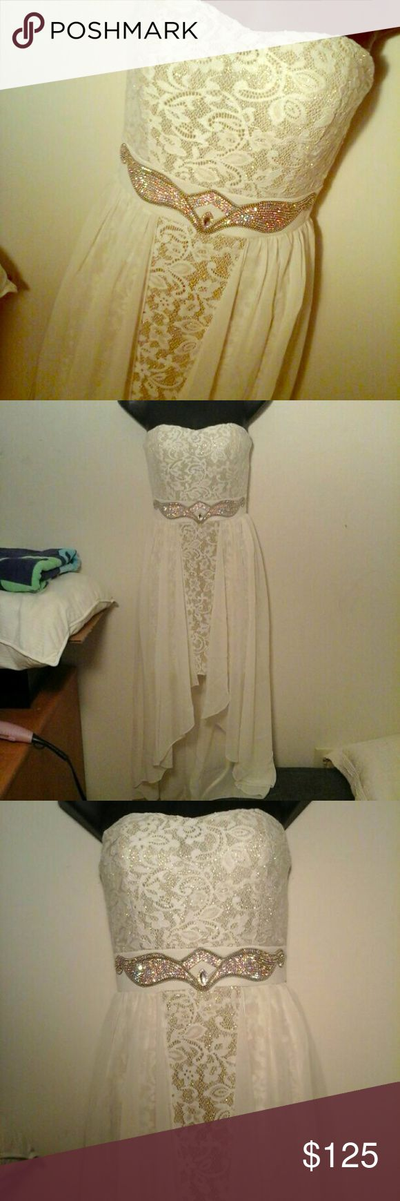 Gold/Cream Formal Dress Gold and cream formal dress. Size small. Dresses High Low
