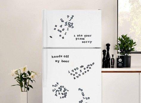 Litere de frigider - Mindblower Pentru dimineti pline de farmec, alege sa tranformi frigiderul intr-o agenda deschisa cu ajutorul acestor litere de frigider. Multe alte cadouri amuzante si haioase, pe Mindblower.ro
