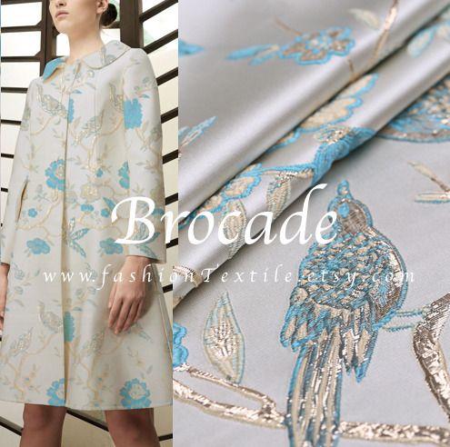 tissu Jacquard motif oiseau bleu fond blanc. Tissus Habillement, Déco par fabricasians
