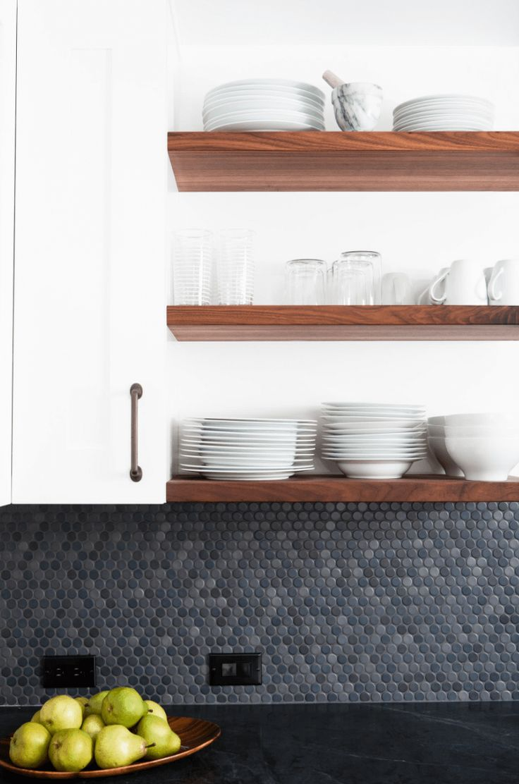 How to Achieve (and Love) Open Shelving in Your Kitchen - http://freshome.com/open-shelving-kitchen/