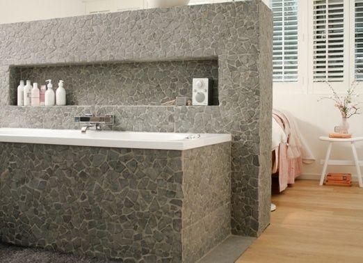 Natuursteen In Badkamer : Badkamer natuursteen tegels