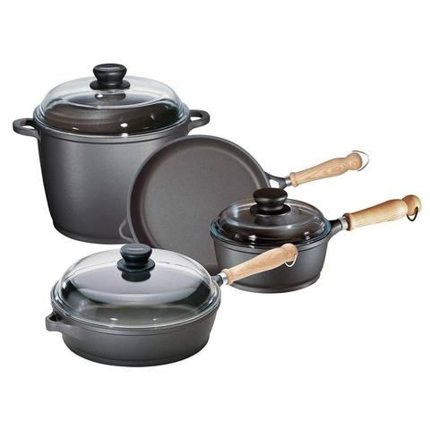 674005 - Tradition 7 Pc. Set-Berndes - The Kitchen's Edge Midsize set offers up the right pieces to get started. Set includes 2.25 quart covered Sauce Pan, 10 inch Open Fry Pan, 11.5 Inch/4 Quart Covered Saute Pan, and 7 Quart Covered Stock Pot.