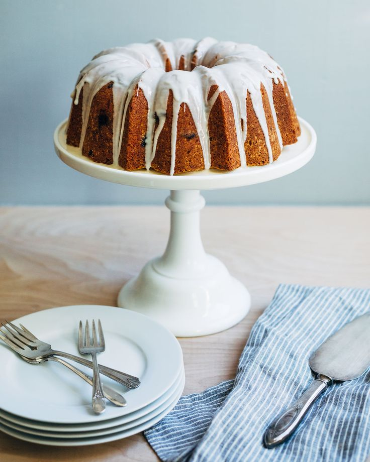 This Orange Cranberry Bundt Cake from  Brooklyn Supper would be a showstopper on any holiday table. http://brooklynsupper.com/2016/11/orange-cranberry-bundt-cake/