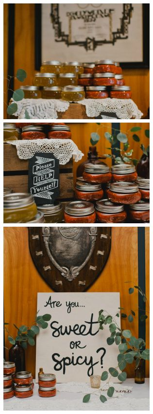 Sweet And Spicy Wedding Favors: Honey & Hot Sauce #DIY Favors