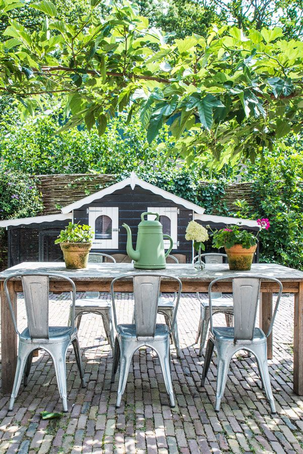 TOUR AROUND MY HOME: THE GARDEN | THE STYLE FILES