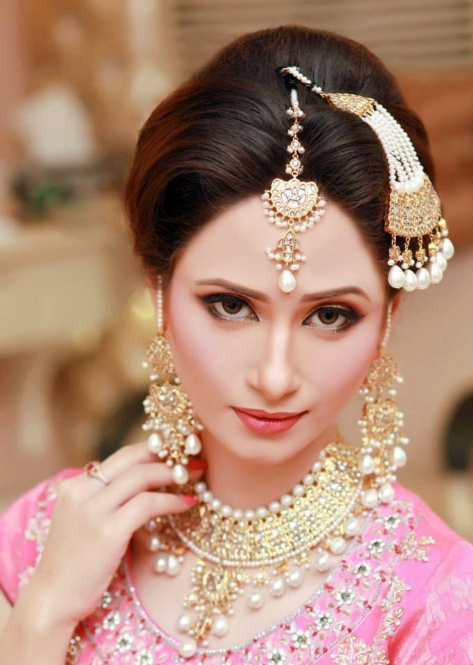 Subtle makeup + Statement jewelry.