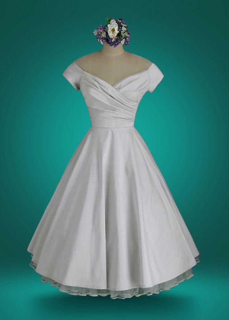 The Finest Custom-Fit, Custom-made 1950's Vintage Style Wedding Dresses and Special Occasion Dresses in the world! Tea Length Wedding Dresses are our specialty. http://whirlingturban.com/